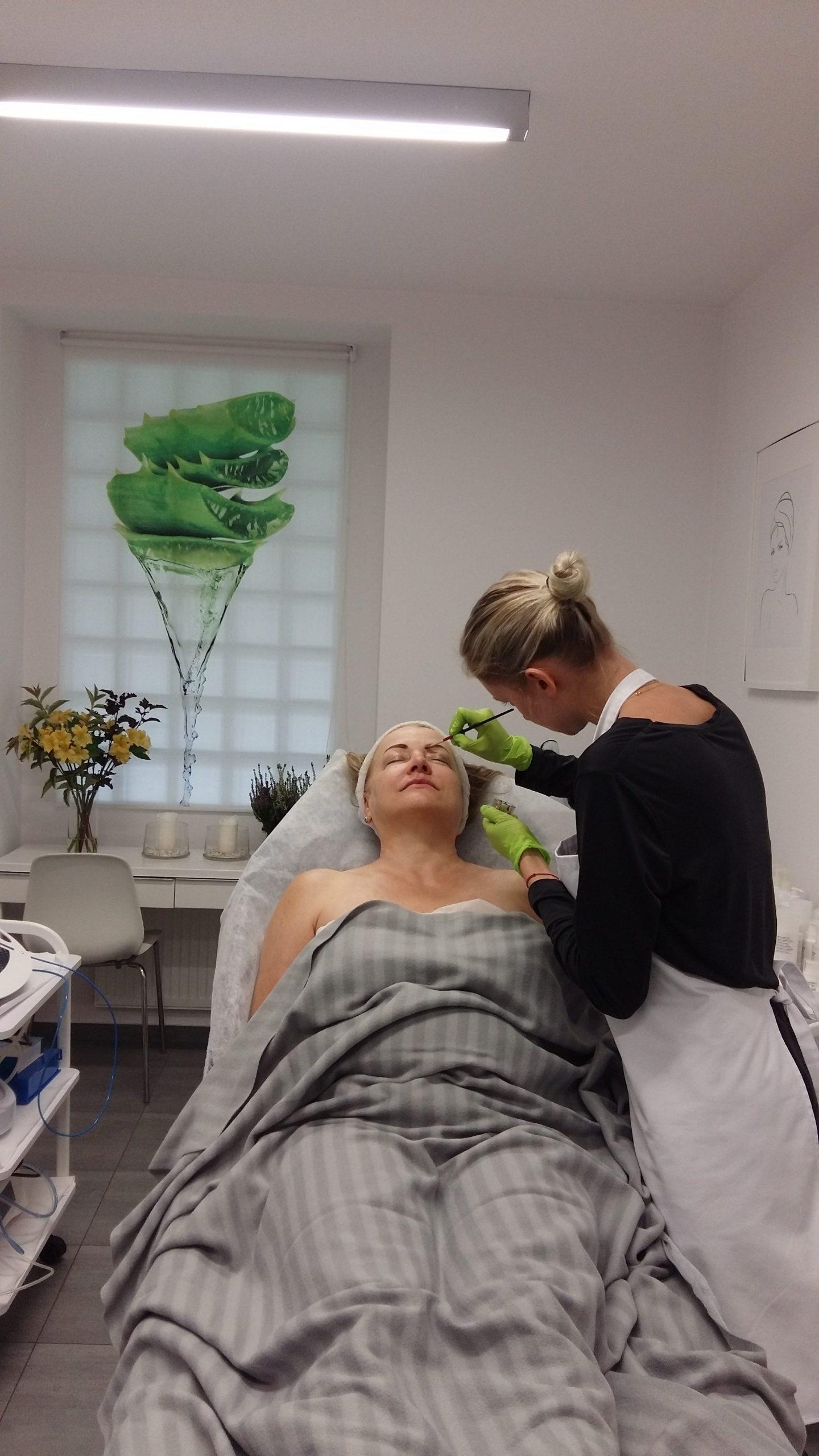 Zawodowy kurs kosmetyki twarzy