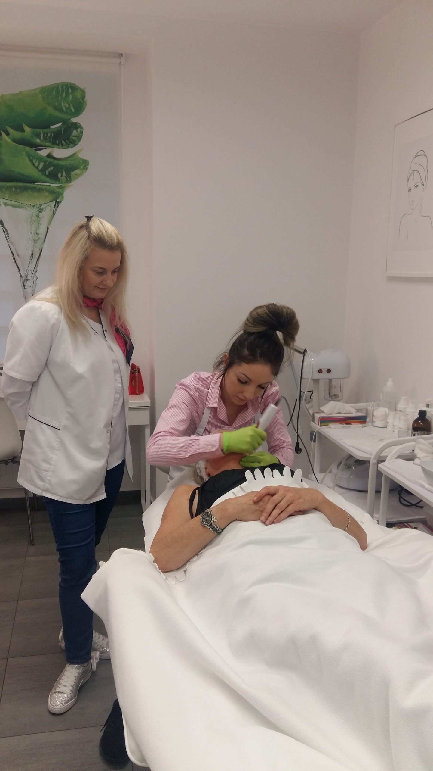 Zawodowy kurs kosmetyki twarzy oraz mezoterapii mikroigłowej